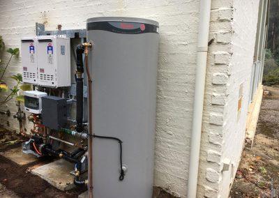 solar hot water service installs solahart eastern ranges